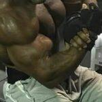 【筋トレ】上腕二頭筋のテンションを高め、それを維持しながら行うケーブル・カール